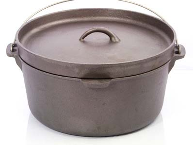 Cast Iron 9 Quart Camp Oven with Lipped Lid